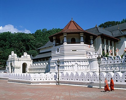 Temple Of The Tooth Visit Kandy Sri Lanka Temple Of